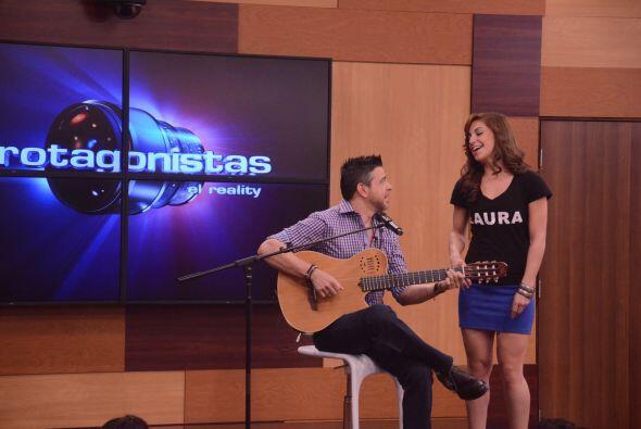 La puertorriqueña se unió a dueto con el artista y no lo hizo nada mal....