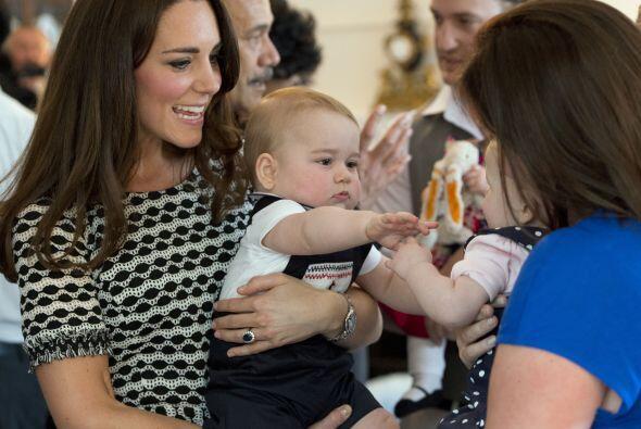 Catherine Elizabeth Middleton, Duquesa de Cambridge y madre del bebé más...