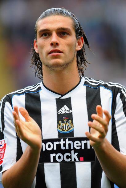 El delantero inglés Andy Carroll fue también fichado por el Liverpool el...