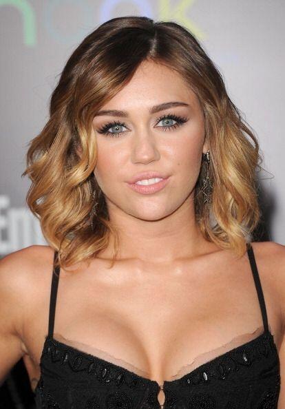 El encaje es una tendencia que  viene con fuerza en lencería, Miley lo s...