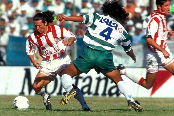 Pedro Muñoz, el ex defensor de Santos fue un símbolo de la zaga lagunera...