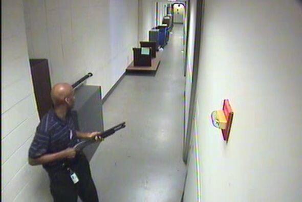 Aaron Alexis, un contratista militar de Texas, fue señalado como el resp...