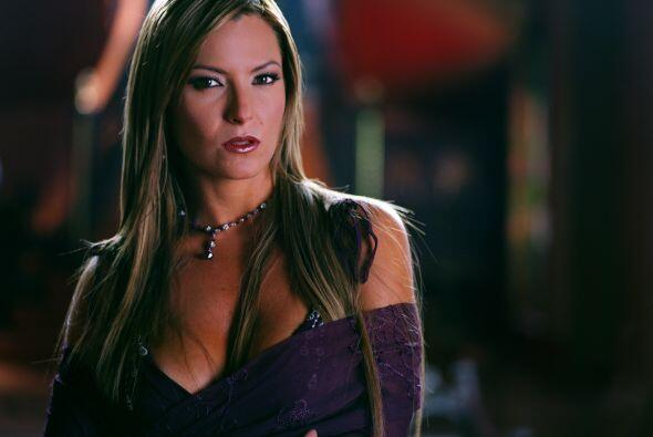"""Martha Julia es """"Ana Rosa"""". Es atractiva y sensual y pretende casarse co..."""