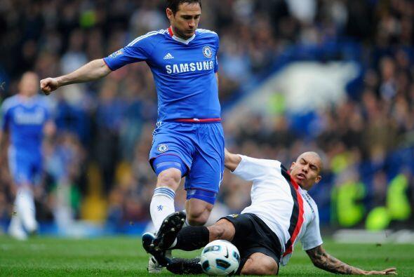 El partido comenzó algo ríspido, con la intención del Manchester City de...
