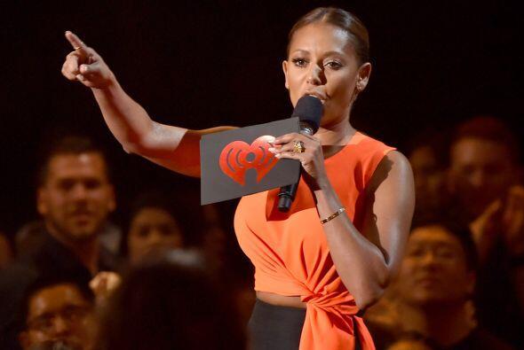 Mel D tuvo uno de los roles de presentadora de premios.