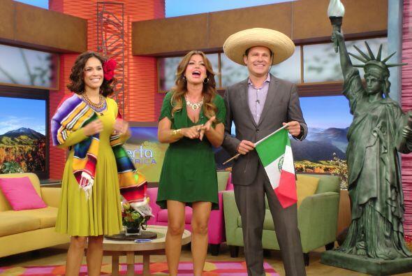 El reboso, los sombreros y la bandera mexicana no podían faltar esta mañ...