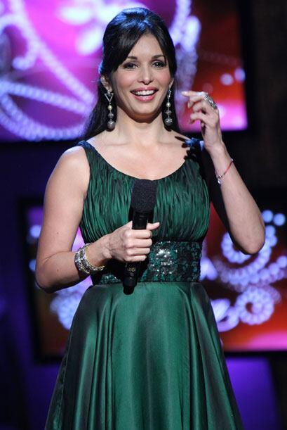 Durante las galas de Nuestra Belleza Latina, Giselle usa dos trajes.