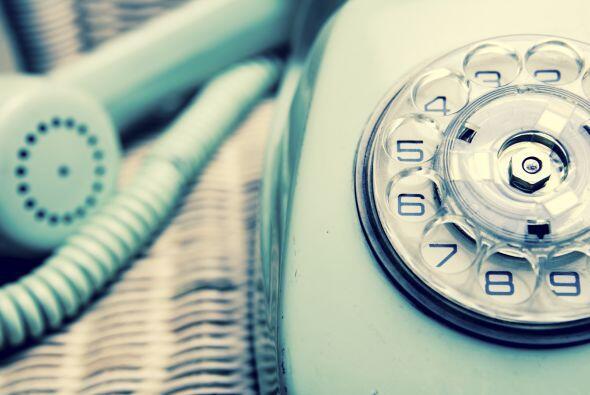 Seguramente, el teléfono con el largo cable enrollado te remita más a Lo...