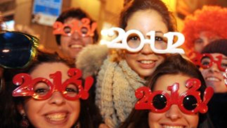 En todo el mundo el 2012 fue recibido con fiesta. rezos, cantos, bailes...