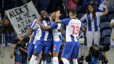 En fotos: En entretenido encuentro el Porto de Herrera y Corona vence 1-0 al Galatasaray