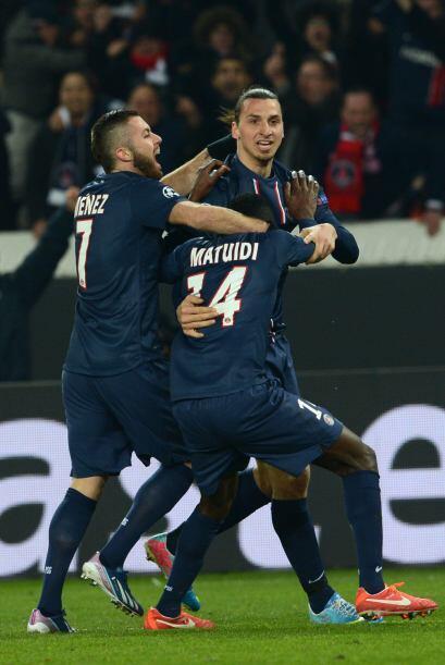 El PSG celebraba el inesperado empate que les mantiene con vida.