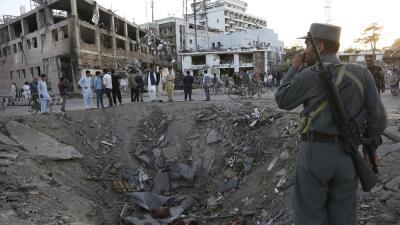 Al menos 90 muertos y más de 450 heridos deja un potente atentado en la zona diplomática de Kabul en pleno Ramadán