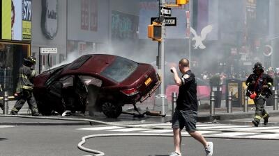 Auto involucrado en incidente en Times Square