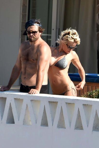 Pamela y Rick lucen muy enamorados.