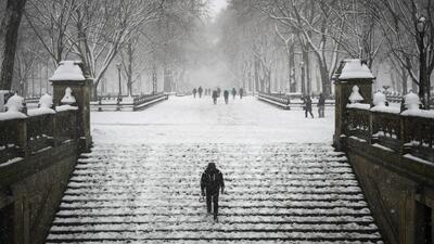 'Nueva York en un Minuto': Nieve ligera y poca visibilidad a causa de la tormenta invernal en el área triestatal