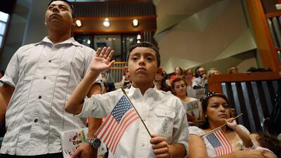 Las postulaciones para obtener la ciudadanía han aumentado en el último...