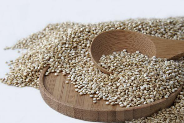 Quínoa. ¡El súper cereal que está tan de moda! Agrégalo a todo tipo de e...