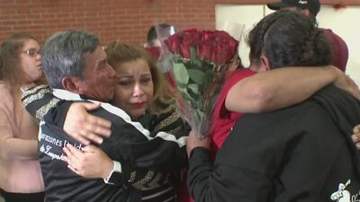 Después de casi dos décadas sin verse, familias mexicanas se reencuentran en Santa Ana