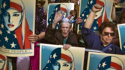 Manifestación en contra del veto migratorio de Donald Trump en Times Squ...