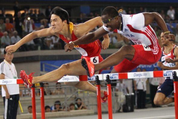 El cubano Dayron Robles perdió la medalla de oro en los 110 m con vallas...