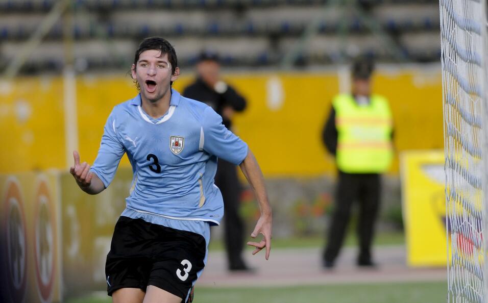Inter confirma el traspaso del chileno Gary Medel al Besiktas 11.jpg