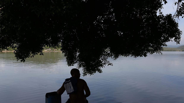 Un pescador en la isla de Granma, en Santiago.
