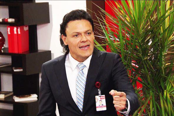 Es momento de dejarlos a solas Salvador, don Paco tiene que hablar seria...