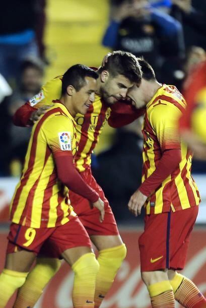 Nueve minutos más tarde, en el 19, Gerard Piqué logró el empate en un ta...
