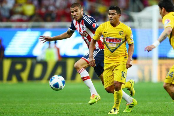 Osvaldo Martínez tendrá que ser el hombre que reparta el balón a los de...