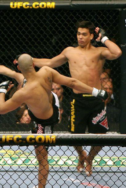Machida, especialista en karate, debido a que su padre es el japonés exp...