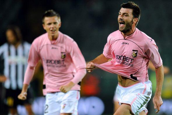 Cesare Bovo puso el 3-0 lapidario ante el silencio de los presentes en e...