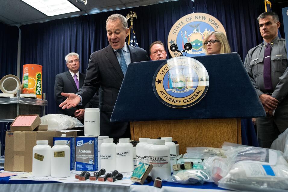 Schneiderman apunta a la droga y parafernalia que el Grupo de Trabajo Co...