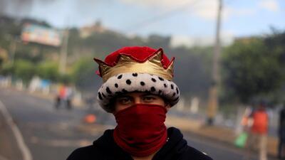 La violenta crisis tras los comicios en Honduras ya deja 16 personas muertas (fotos)