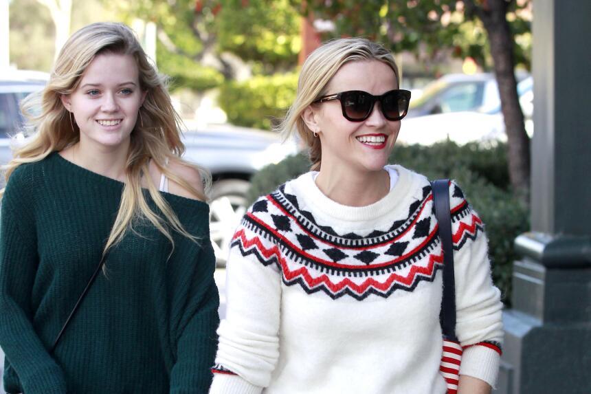 Reese y su hija, se ven freaky una junto a la otra WB_RWAHID151214_04.jpg