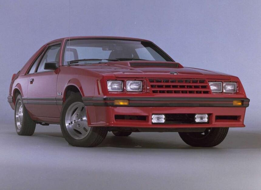 Medio siglo del Ford Mustang Fastback Ford-Mustang-1982-1280-01.jpg