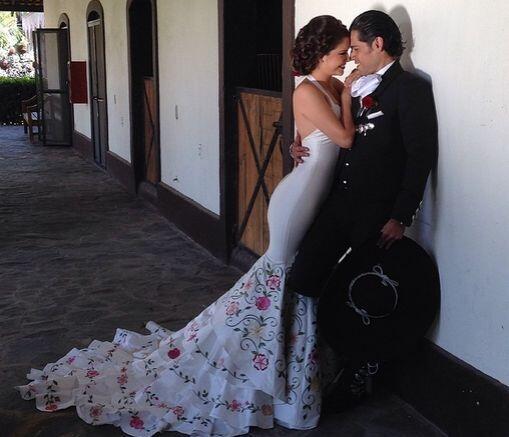 Esta es una de las fotos de la sesión oficial de fotos que Ana Patricia...