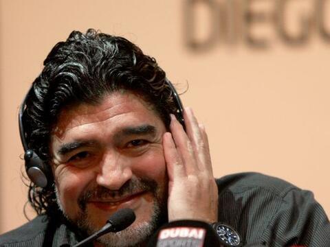 Diego Armando Maradona viajaría la próxima semana a Italia...