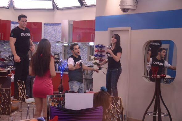 Laura y Mateo hicieron un especial de televisión La señora Gómez dio sus...