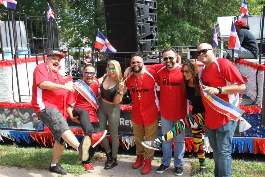 Celebra La X en el Desfile Dominicano en NJ IMG_1803.JPG