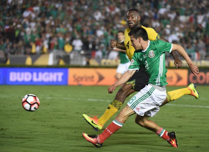 El ranking de los jugadores de México vs Jamaica 39-GettyImages-53914702...