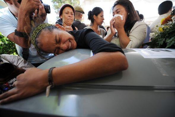 Los cadáverdes de los 16 hondureños asesinados en M&eacute...