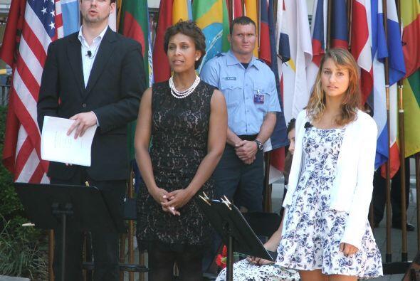 Un barítono y tres sopranos interpretaron esta serie de temas que incluí...