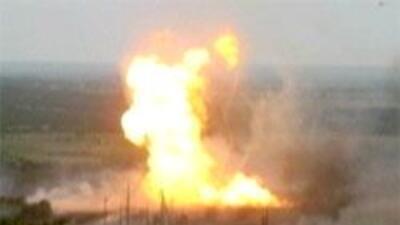 Explosión en planta de gas en Texas: Reportan al menos 10 desaparecidos...