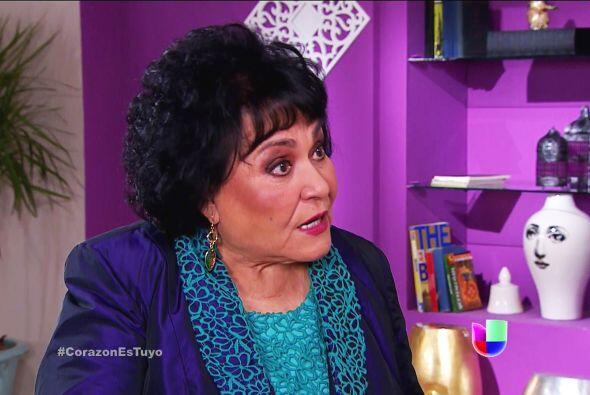 ¡Ayyy doña Yolanda, qué hija tiene! Es pura maldad y no se cansa de hace...