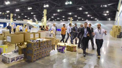 El gobernador Ricardo Rosselló inspecciona el Centro de Convencio...