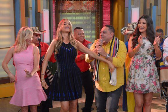 Sofía no podía de irse sin demostrar su talento en el baile.