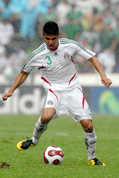 En el campo había nombres importantes como Carlos Salcido.