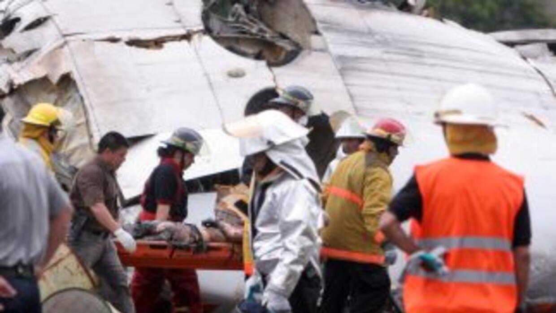 Se cayó un avión de pasajeros, hay un saldo de 14 muertos.