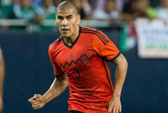 Otro que no entra en los planes de Herrera es Carlos Salcido, ya que tam...