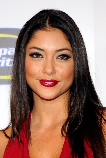 La hermosaArianny Celeste, modelo ychica del ring de la UFC...
